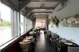 Le Bateau-Lavoir Orléans, restaurant, bar et salon de thé