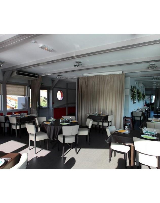 Restaurant Place De Loire Orleans
